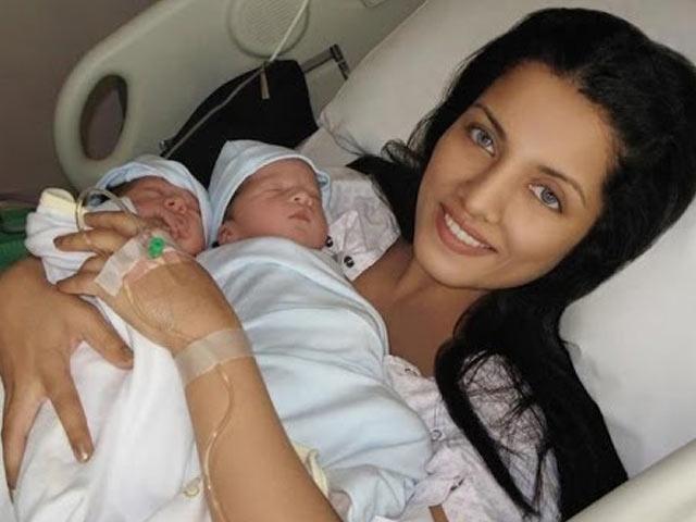 Celina Jaitley - endometriosis