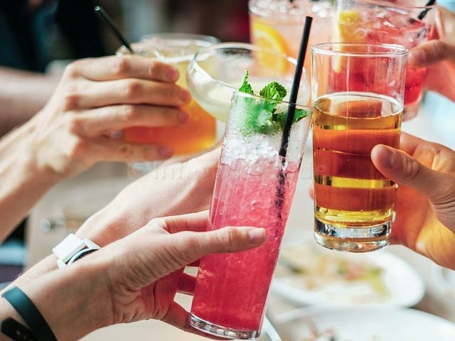 Cut alcohol to improve your fertility